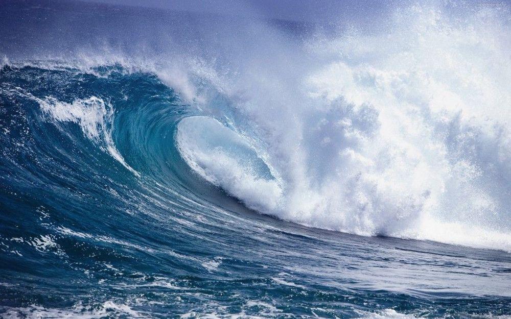 tsunami-crashing