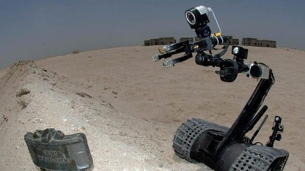 Fearless: A TALON 3B robot approaches a land mine.