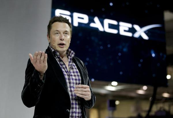 Billionaire Musk Likes Solar Energy and Putting Humans on Mars, But Says We Must Be Careful With Artificial Intelligence
