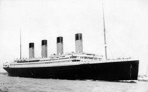 RMS <em>Titanic</em> Sails