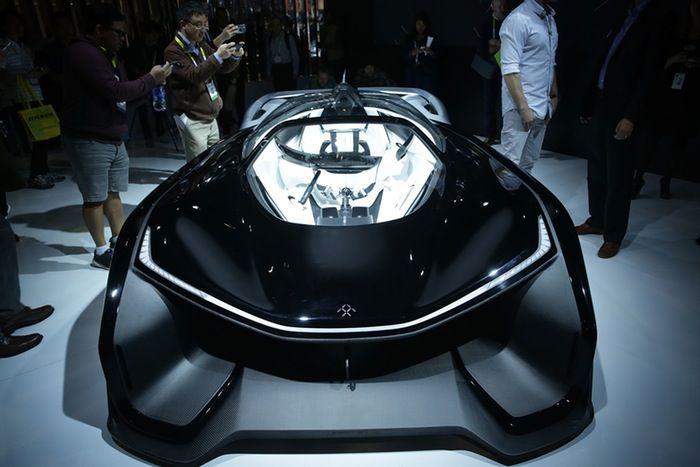 faraday-futures-ffzero1-concept-car-at-ces-2016